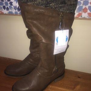 Brand new Muk Luk women's boots, size 9